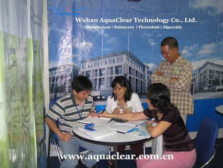 Happy meeting with clients in Vietnam 2009